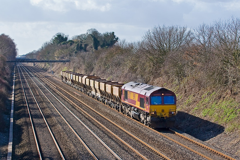 26th Feb:  66037 plods up the Relief with 16 PGA's forming 4O53 Appleford to Allington