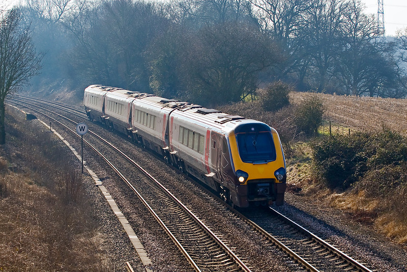 19th Feb 08:  Cross Country liveried 220017 heads north
