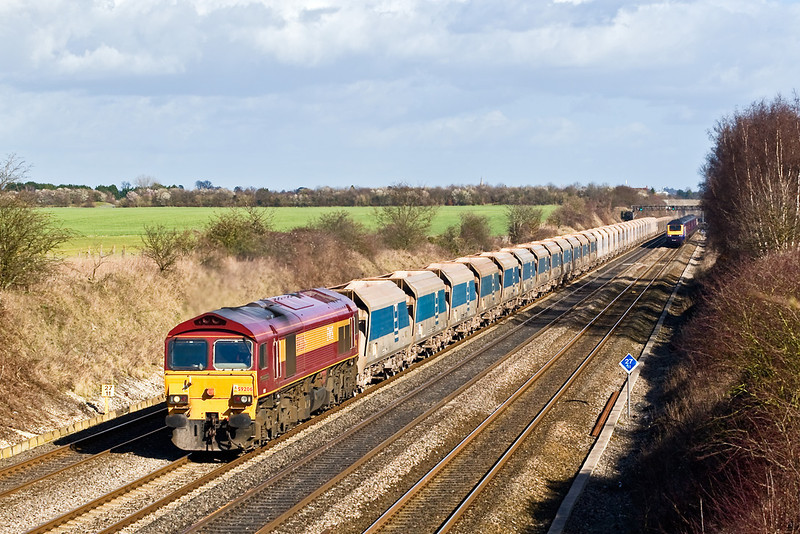 26th Feb 08:  59206 and 7C77 Acton to Merehead returning empties