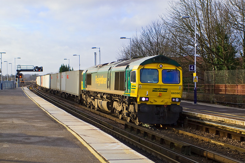 9th Jan 08: Another north bound liner enters. This is the 14.00 to Trafford Park with 66590 at the helm