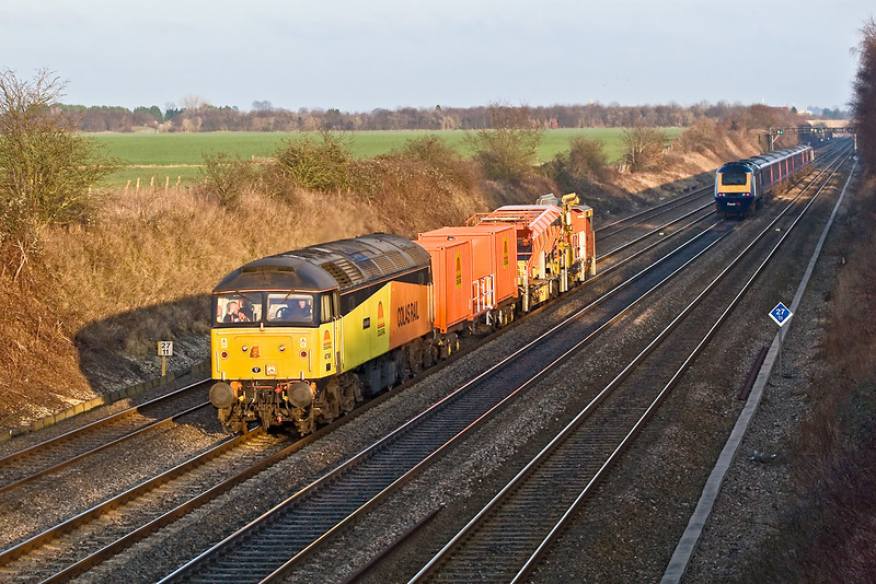 2nd Jan 08:  Colas Rail 47749 trundles along with 6Z47 from West Ealing to Hinksey Yard