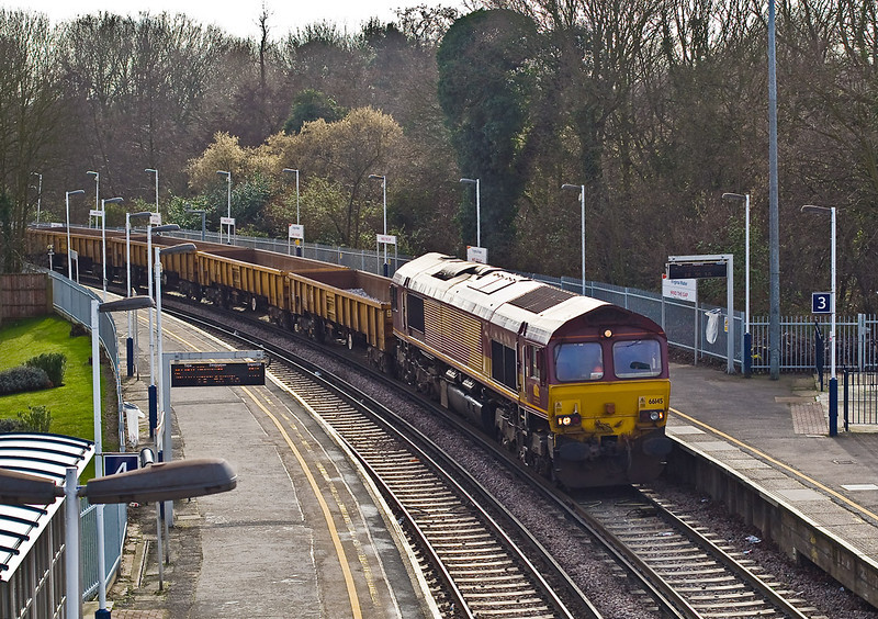 27th Jan 08:  Crawling round the sharp corner from Chertsey and through Platform 3 is 66145 working 6N44 to Tonbridge