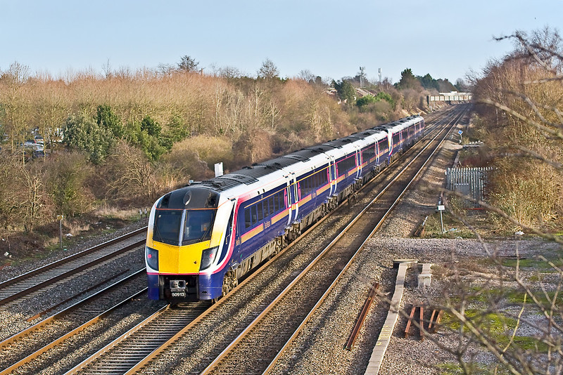7th Jan 08: A 2 set Adelante tailed by 180103 heads to town past Breadcroft Ln, Maidenhead