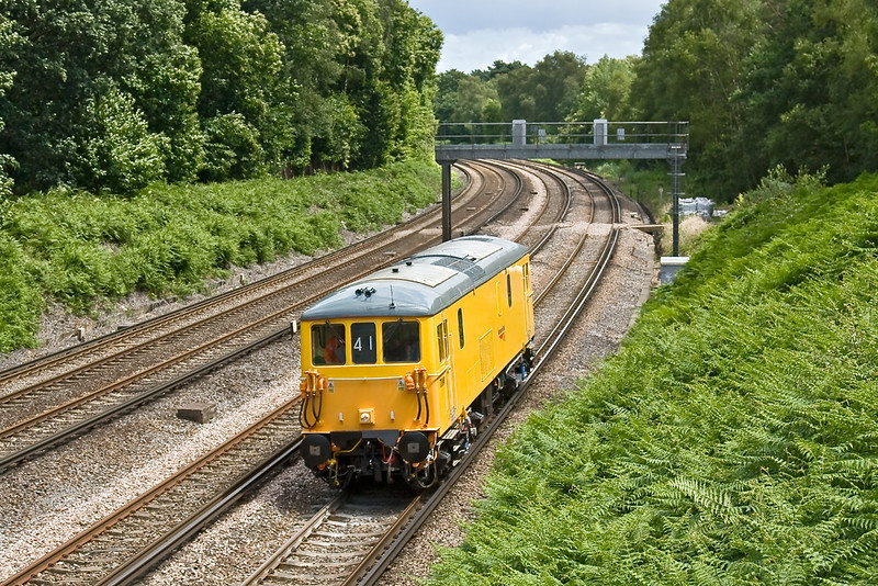 8th Jul 08:  Running under Diesel power 73141 returns to Eastleigh from Woking to complete it's first test run.  Seen here at Pirbright