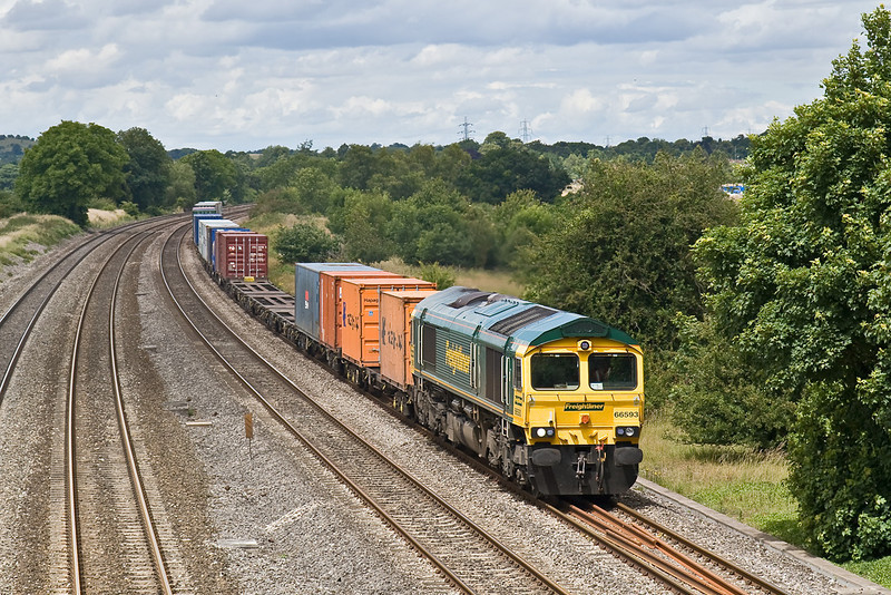 3rd Jul 08: 66593 and the Ditton to Southampton liner at Lower Basildon