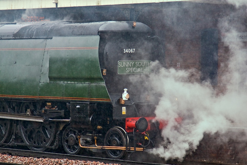 9th Jul 08:  On anything but a sunny day Tangmere makes a water stop at Winchfield