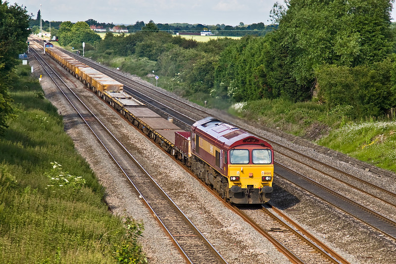 15th Jun 08:  59205 with 66058 at the tail head west through Ruscombe