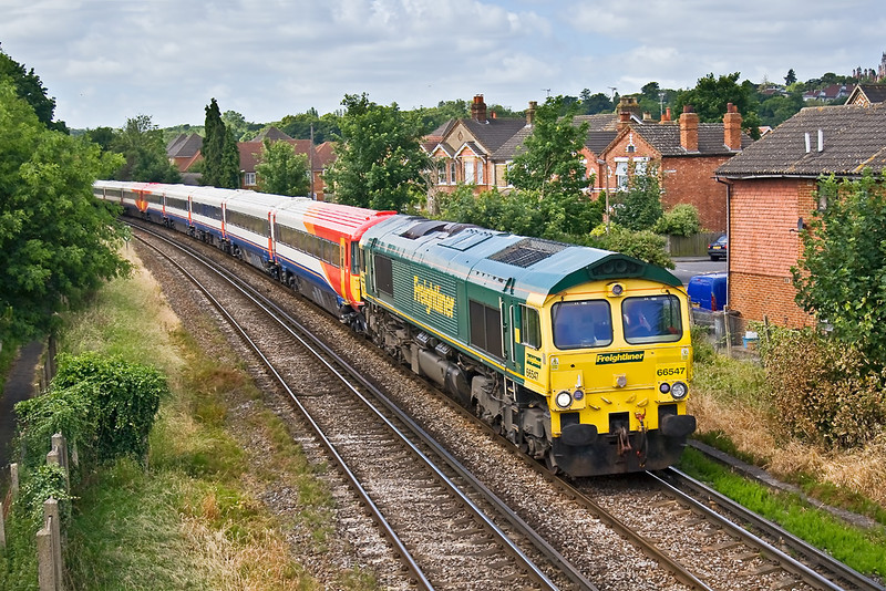 26th Jun 08:  66547 hauls Wessex Units 2402 & 2410 through Egham. 5Z80 was running from Eastleigh to Wolverton
