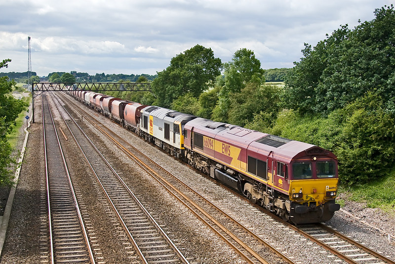 11th Jun 08: 60056 adds some extra load for 66094 as it passes Milley Bridge with 6M20 from Whatley Quary to St Pancras
