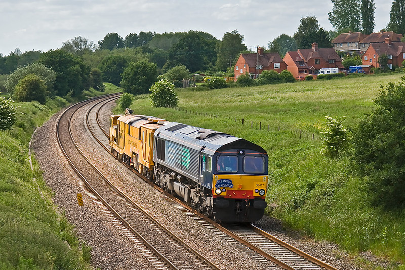 4th Jun 08: DRS 66417 hauling Stone Blower DR80202. 6Z37 10.00 Exeter to Dereham passes Frouds Lane