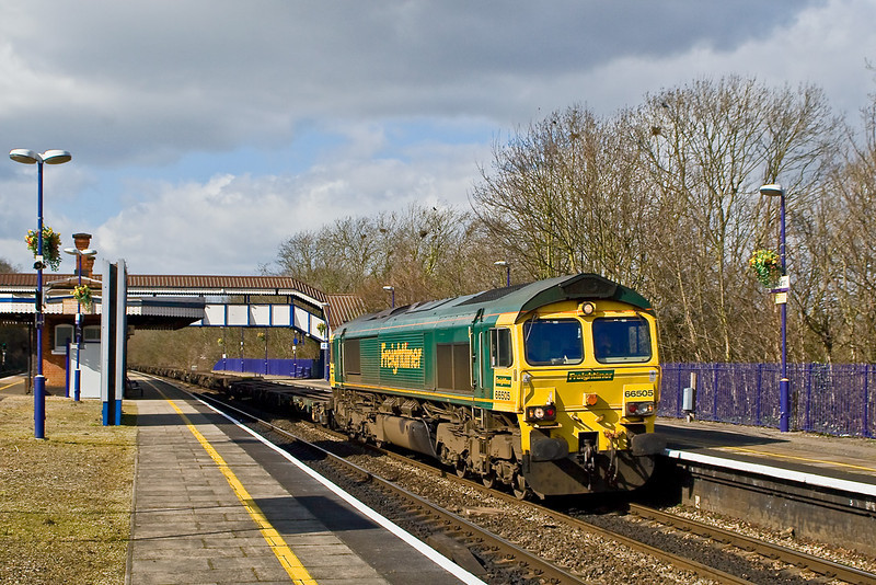 7th Mar 08:  66505 with an empty train forming the 06.13 Leeds to Southampton clatters through Tilehurst