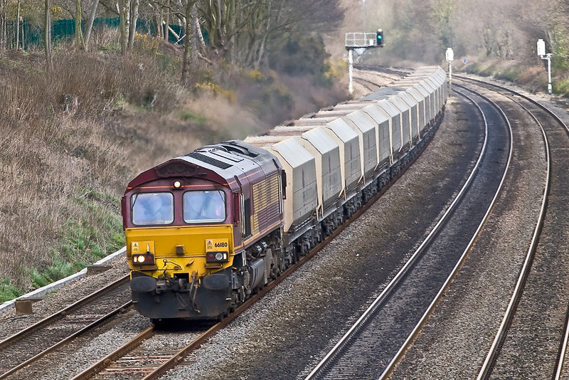 19th Mar 08:  The day's Hayes to Morton on Lugg and 66180. Taken from the Duffield Road bridge