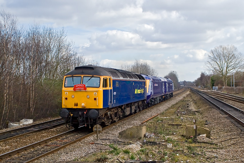 7th Mar 08: 47237 taking 43002 & 43003 to Landor from Old Oak Common.  Seen here at Tilehurst