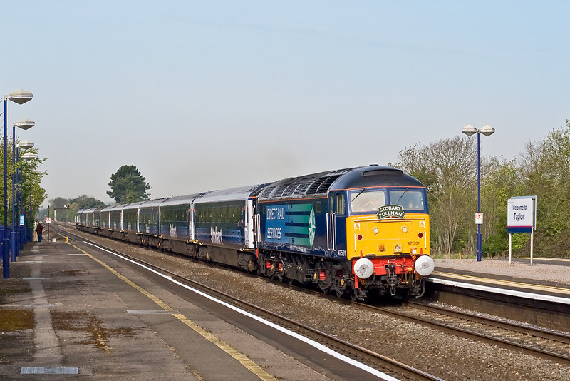3rd May 08:  47501 and the 'Stobart Pullman' makes a fine sight on the main through Taplow on it's way from Reading to Spalding for the flower festival