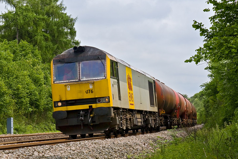 27th May 08: 60076 in charge of the Theale to Robeston empty Murco's on the Down Main.  Not the shot that I had planned !