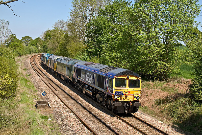8th May 08: 66724 brings 50044 'Exeter', 37906, 37275 & 20096 in convoy bound for the Swanage Railway weekend Diesel Gala