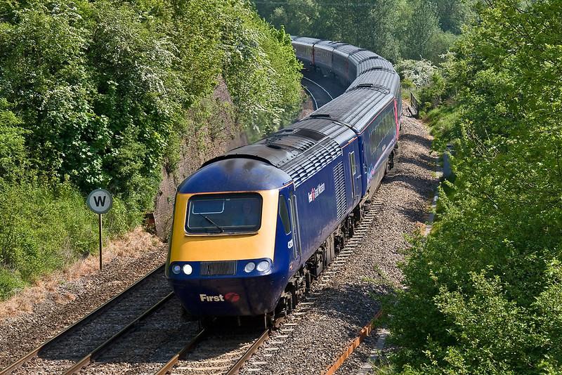 13th May 08: 43128 and the 10.06 Paddington to Penzance at Crofton