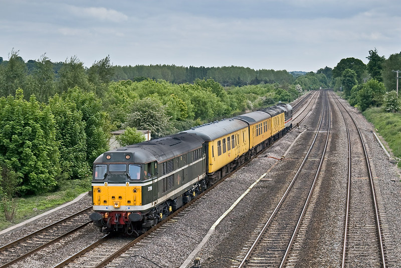 20th May 08: 31190 now leads as the refreshed Serco returns to Didcot