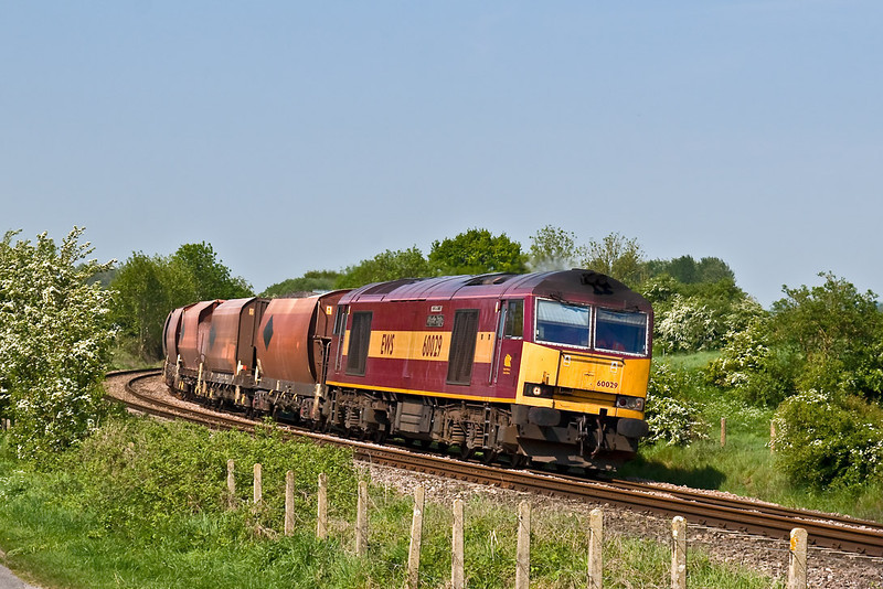 13th May 08:  THe Whatley to St Pancras powered by 60029 rounds the corner at Crofton