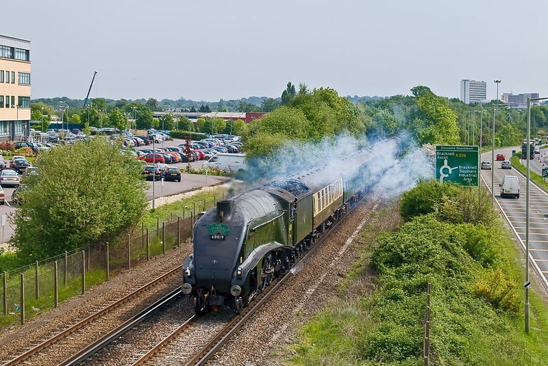 """14th May 08: 60019 """"Bittern"""" steams away from Bracknell on a Victoria to Stratford Cathex"""