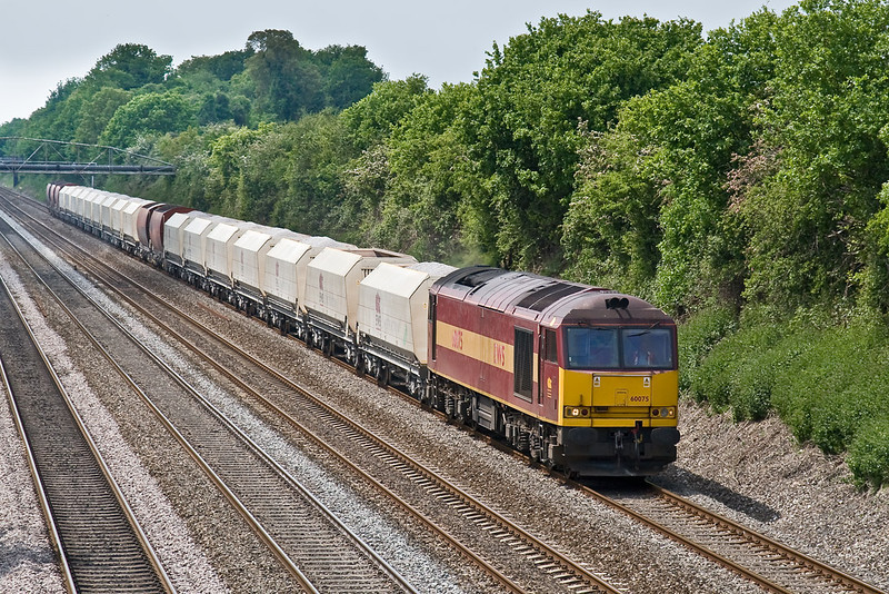 22nd May 08:  For the 2nd day running 60075 works 6M20 from Whatley to St Pancras.