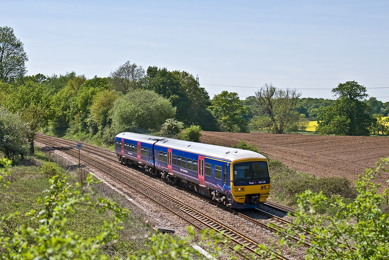 8th May 08: 165135 northbound through Silchester