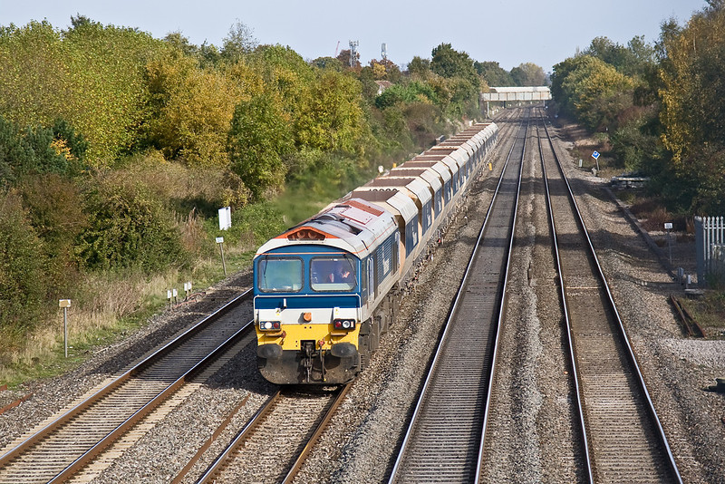 24th Oct 08: With the light steadily improving 59102 in charge of 6V18 from Hither Green to Whatley