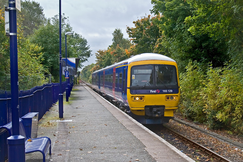 6th Oct 08:  Rarely pictured is the Henley branch, here 165129 enters Wargrave with the 11.50 from Twyford.  It is hard to imagine that this was once double track with two platforms.