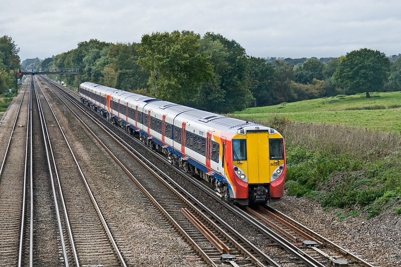 14th Oct 08: Juniper 458024 heads home having been to Bournemouth to collect 458014