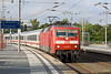 12th Sep 08:  121 136-7 arrives at Berlin Hauptbahnhof with an express from Dortmund