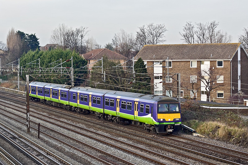 1st Dec 09:  321416 southbound on the slow at South Kenton