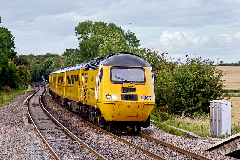 20th Aug 09:  The NMT approaches Tamworth High Level on it's way to Paddington from Derby Etches Park