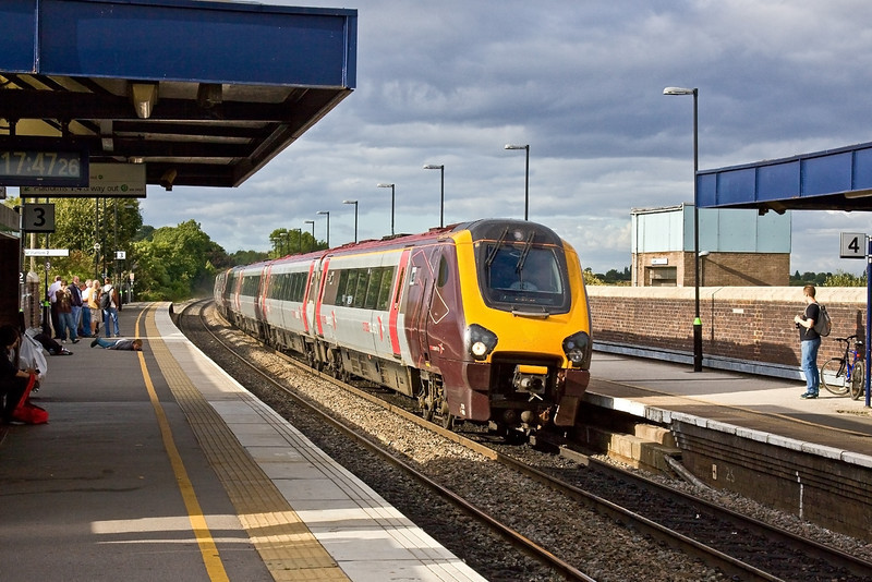 20th Aug 09:  The 13.06 from Edinburgh is provided by 220009. Captured here cruising through Tamworth High Level