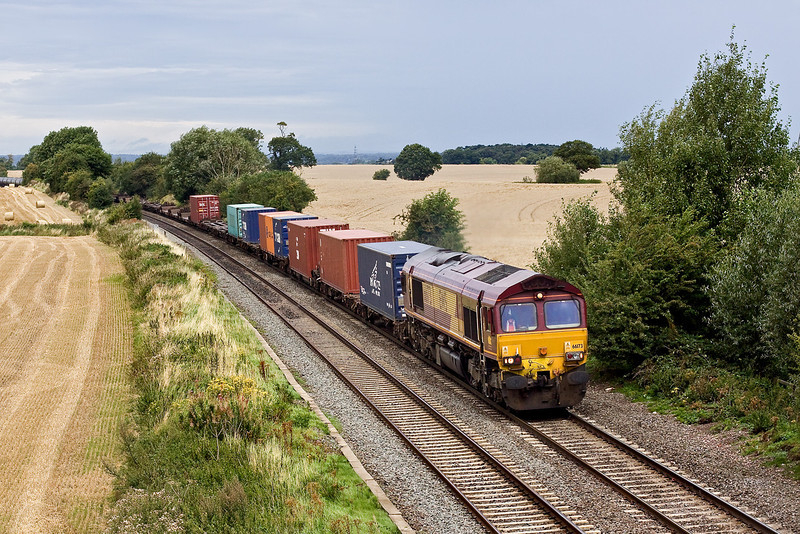 20th Aug 09:  66173 has 4O21 Burton on Trent to Southampton on the hook. Seen here just south of Elford