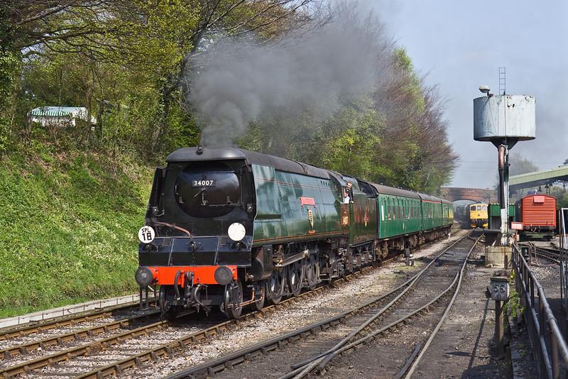 19th Apr 09: 34007 runs into Ropley
