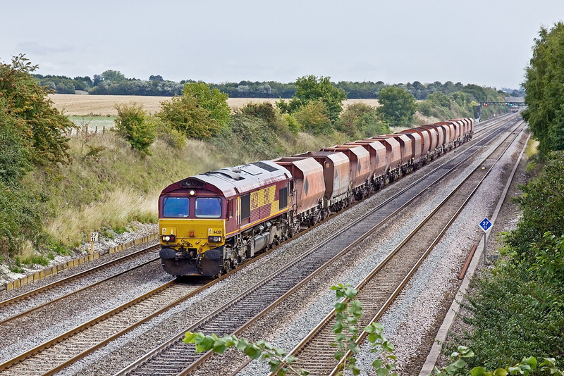 25th Aug 09:  66221 westbound at Shottesbrooke with 6C76 Hayes to Whatley. My thanks to The happy Hippy for working information
