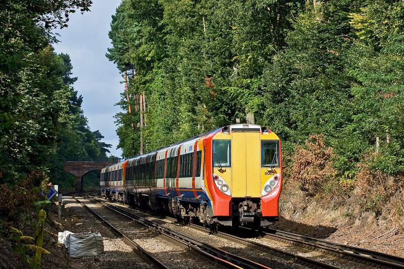27th Aug 09:  The 09.25 from Reading to Waterloo (2C92) nears Ascot