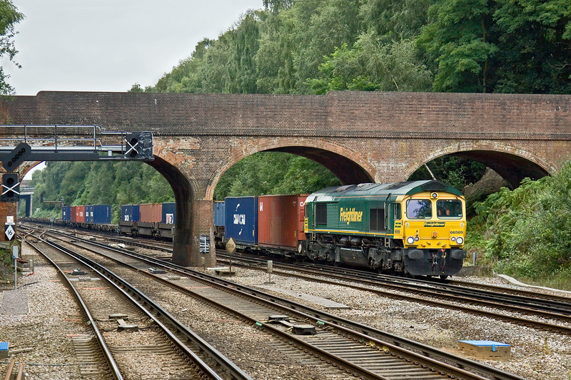 11th Aug 09:  66569 works 4M58 to Crewe from Southampton through Winchfield