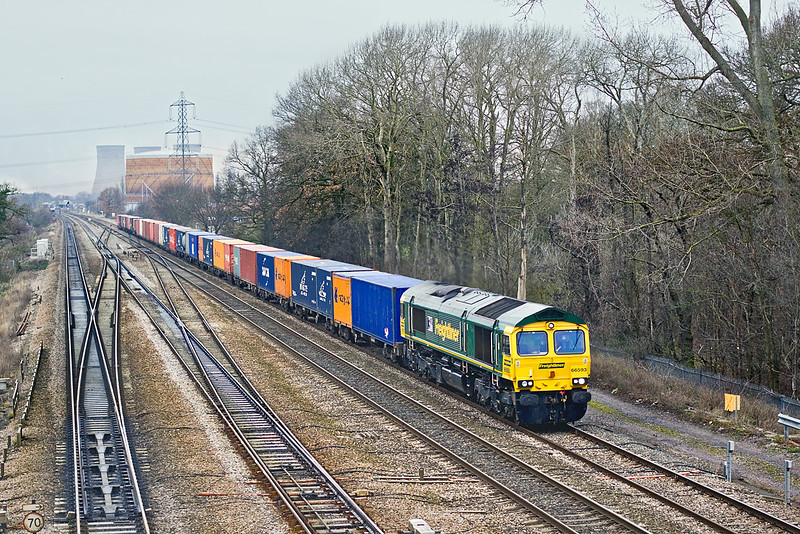 12th Dec 09:  66593 plies 4O27 from Garston to Southampton away from Didcot
