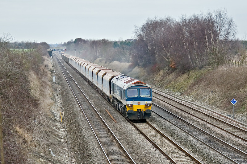 23rd Feb 09: They go 'Up' loaded and come back 'Empty' 59101 heads back to Somerset with 7C77