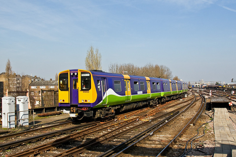 18th Mar 09:  The 14.08 from Willesden Junction arrives at Clapham Junction. It will return to Willesden at 14.35