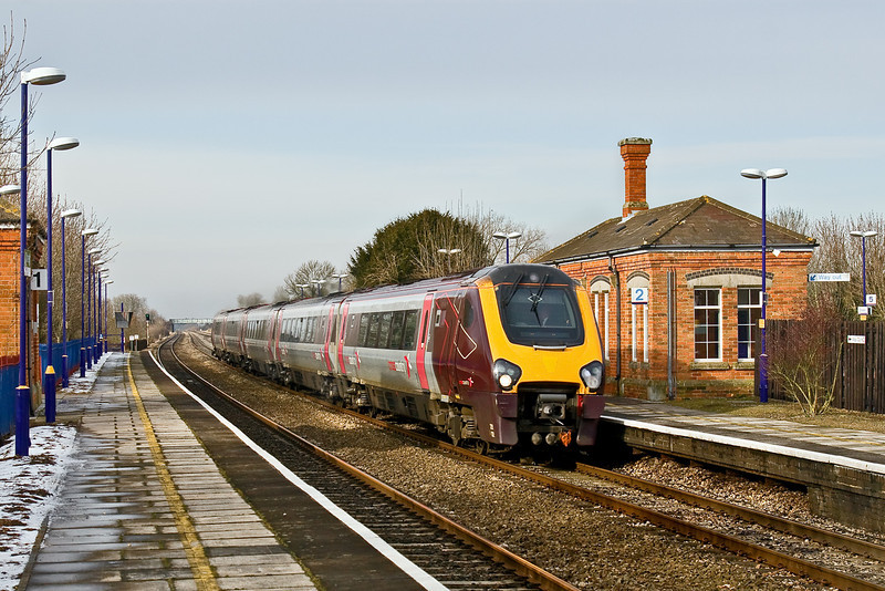 4th Feb 09:  Voyager 221132 races through Cholsey on the 10.30 (1O34) from Manchester Picadilly to Bournemouth.