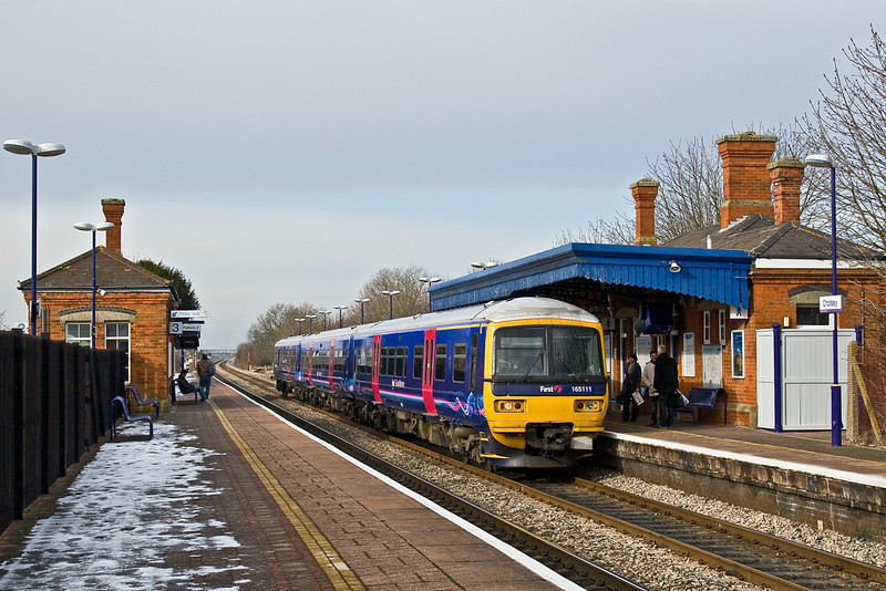 4th Feb 09:  The 13.07 from Oxford draws to a stand at Cholsey