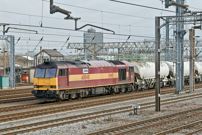 10th Feb 09:  60048 heads 6H58 the Willesden to Tunstead empty cement tanks