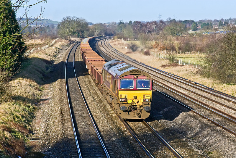 21st Jan 09:  Unusually routed on the Up Main 66182 brings  6O26 the 10.24 Hinksey to Eastleigh Departmental through Lower Basildon