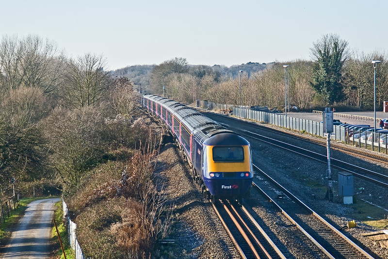 3rd Jan 09:  Taken from the recently opened Temporary Footbridge at Twyford.  43150 brings up the rear of 1C12 the 11.30 Paddington to Bristol Temple Meads.