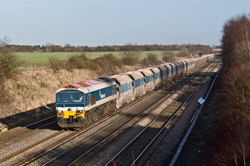 20th Jan 09:  With the typical monster 3 part consist 59102 trots 7C77 from Acton to Merehead through Shottesbrooke