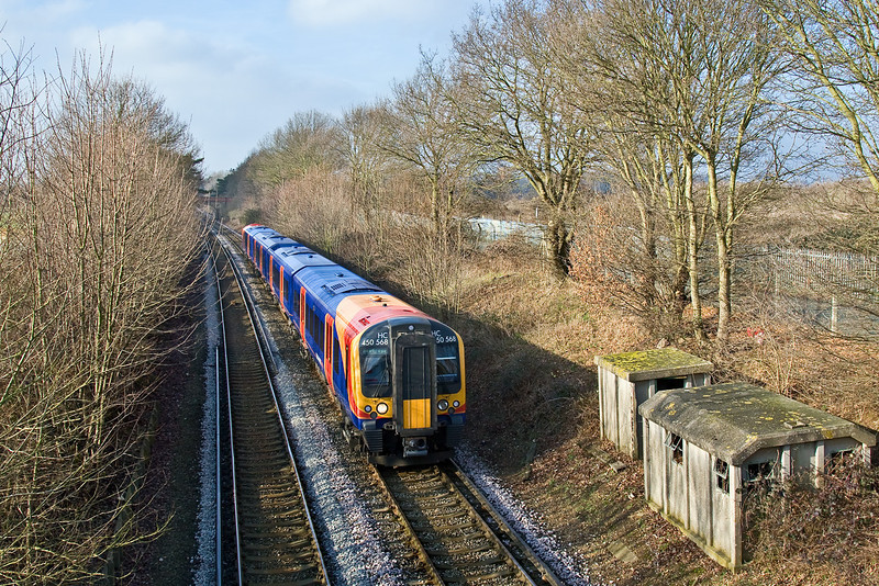 29th Jan 09:   2S31 the 11.52 from Waterloo to Weybridge runs through Lyne to the next stop at Chertsey