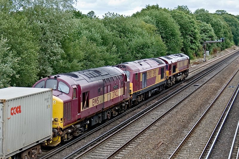 20th Jul 09:  37422 & 67003 are DIT behind 66136 on 6M44 from Eastleigh to Wembley. Seen here at Old Basing