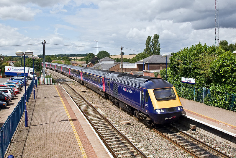 31st Jul 09:  Running 7 minutes late through Hungerford is 43012 leading on 1A81 the 08.44 from Penzance